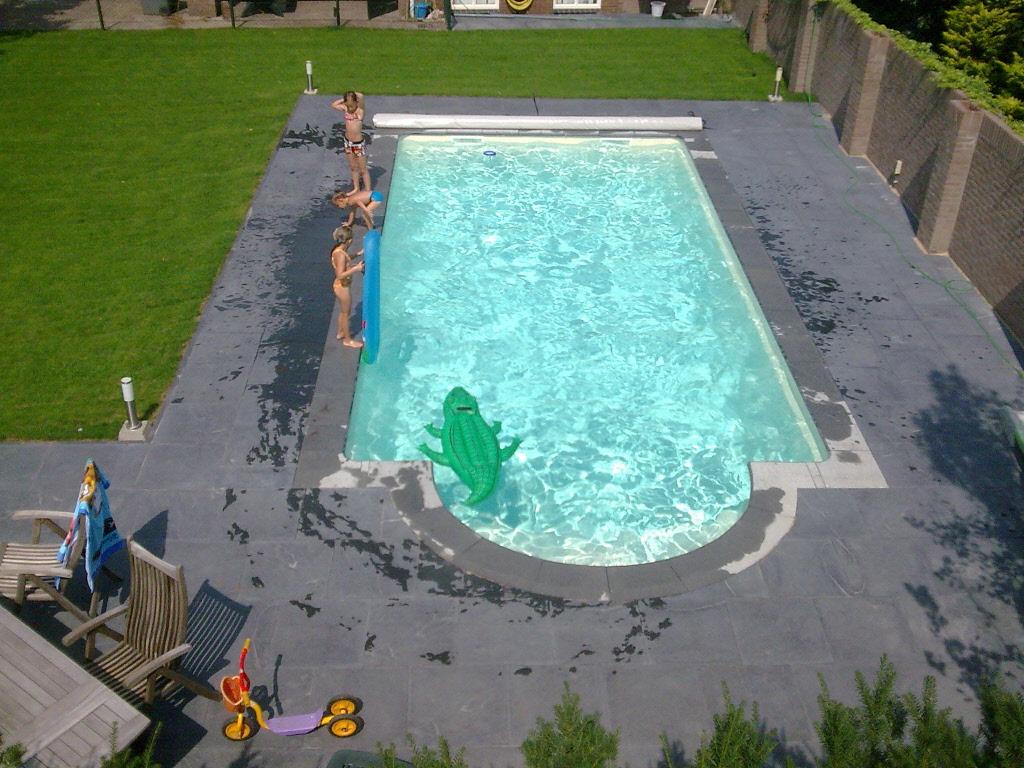 Delux rechthoek zwembad met romeinse inlooptrap 700 x350 x for Zwembad rechthoekig met pomp